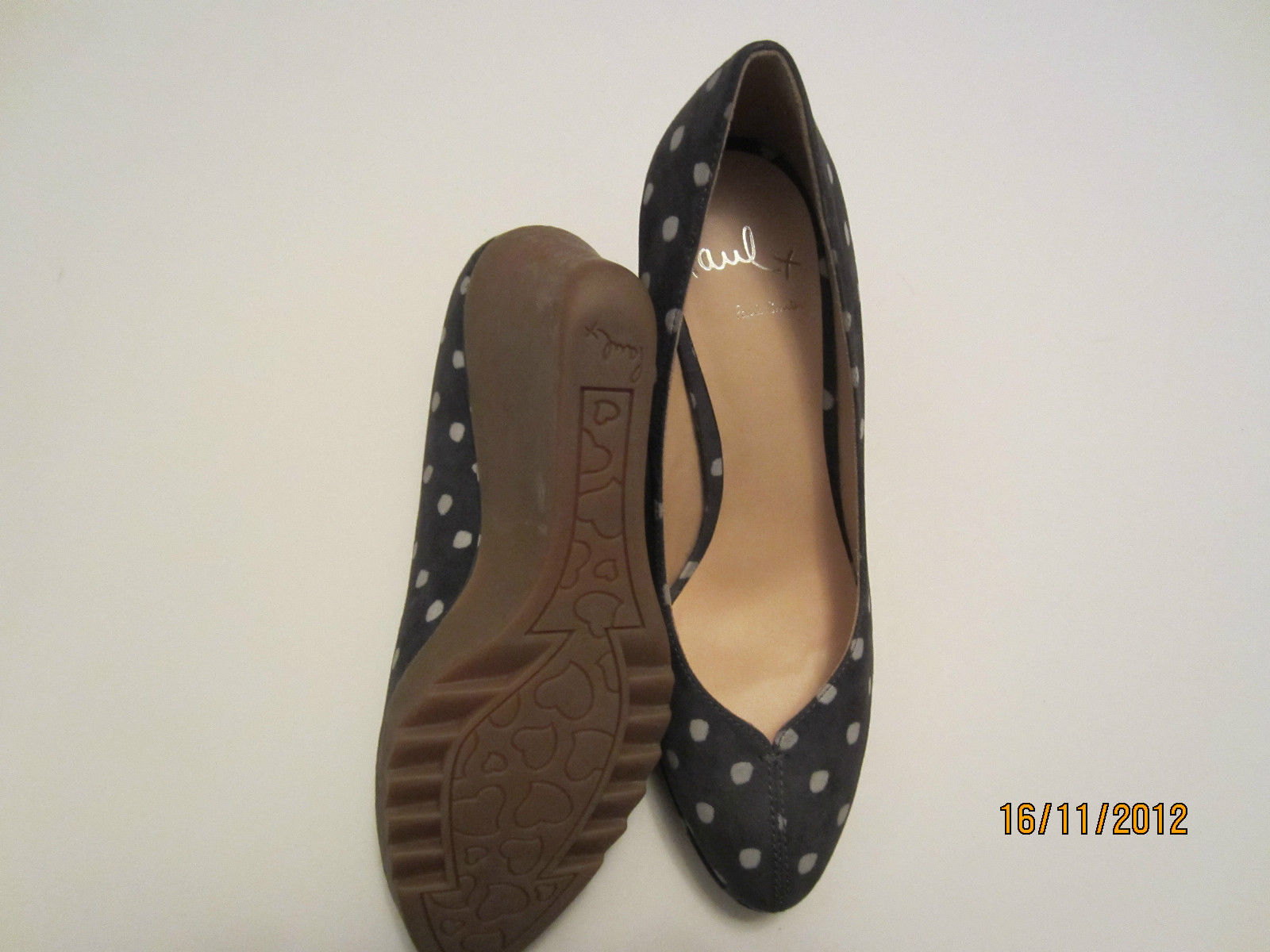 paul smith keilabsatz schuhe mit grau veloursleder polka detail ober gr e uk4 ebay. Black Bedroom Furniture Sets. Home Design Ideas